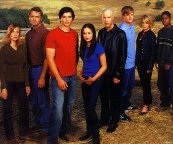 350px-SmallvilleSeason1fullcast